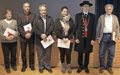 Egon Richter wird für seinen Erfolg bei der Europaschau in Metz geehrt